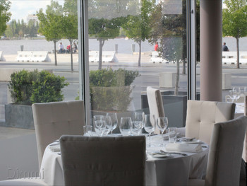 Waters Edge Parkes - Modern Australian cuisine - image 1 of 8.