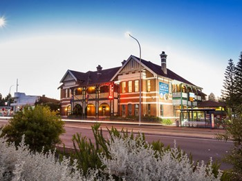 Albion Hotel Cottesloe - Steak  cuisine - image 7 of 12.