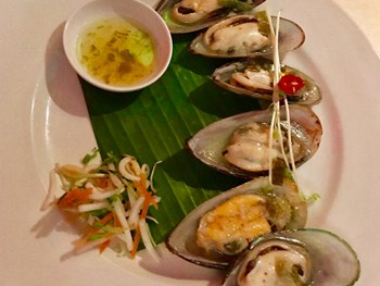 Beach Almond Palm Cove - Asian  cuisine - image 7 of 8.