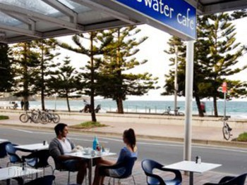 Bluewater Cafe Manly - Cafe  cuisine - image 2 of 6.