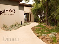 Bunkers Beach Cafe