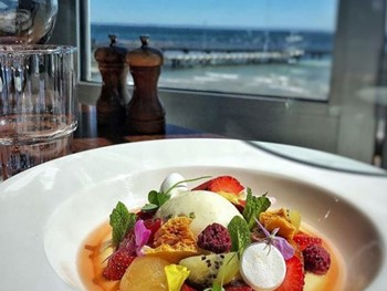 Cerberus Beach House Black Rock - Modern Australian cuisine - image 3 of 11.