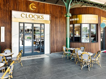 Clocks at Flinders Melbourne - Modern Australian cuisine - image 10 of 12.