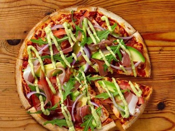 Crust Gourmet Pizza Bar West Lakes - Pizza cuisine - image 10 of 11.