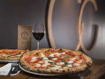 Double Zero Pizza Broadbeach - Italian cuisine - image 2 of 5.