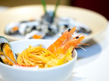 East West Buffet Blacktown - Buffet cuisine - image 6 of 9.