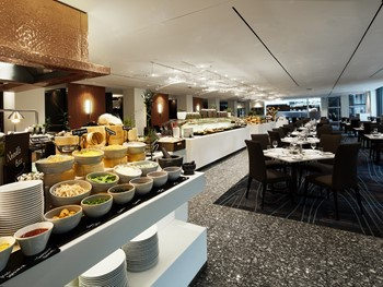 Feast at Sheraton Grand Sydney Sydney - Buffet cuisine - image 1 of 13.