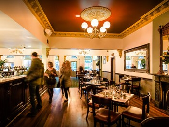 Glenferrie Hotel Hawthorn - Seafood cuisine - image 2 of 8.
