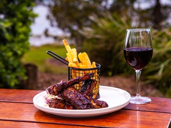 Grand View Hotel Cleveland - Australian  cuisine - image 6 of 12.
