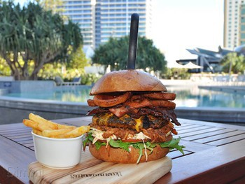 Longboards Laidback Eatery & Bar Surfers Paradise - Modern Australian cuisine - image 3 of 9.