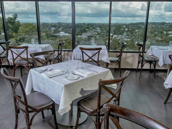 Lutece Bistro & Wine Bar - French Restaurant Bardon - French cuisine - image 1 of 10.