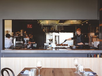 Montalto Red Hill South - Modern Australian cuisine - image 11 of 12.