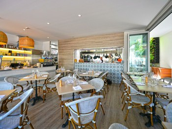 Periwinkle Restaurant Peregian Beach - French cuisine - image 2 of 6.