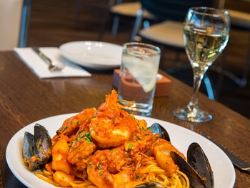 Pinocchio's Kingsford - Seafood cuisine - image 2 of 5.