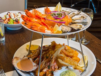 Pinocchio's Kingsford - Seafood cuisine - image 3 of 5.