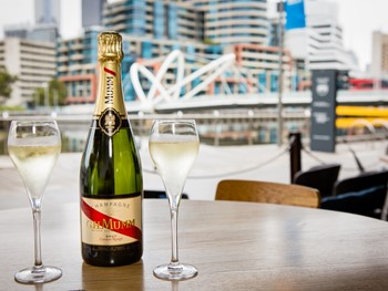 Plus 5 South Wharf - Modern Australian cuisine - image 1 of 10.