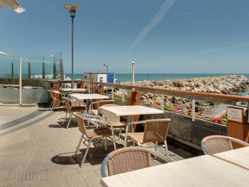 Sammy's on the Marina Glenelg - Seafood cuisine - image 2 of 6.