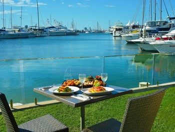 Southport Yacht Club Main Beach - Modern Australian cuisine - image 8 of 10.