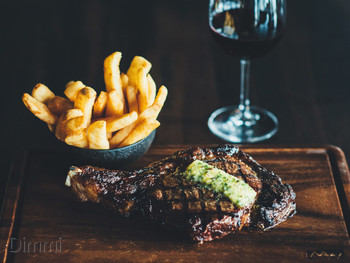 The Meat & Wine Co Circular Quay Sydney - Steak  cuisine - image 6 of 13.