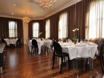 The Vincent Albert Park - European cuisine - image 7 of 10.
