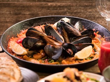Toros Tapas & Bar Darling Harbour - Seafood cuisine - image 5 of 13.