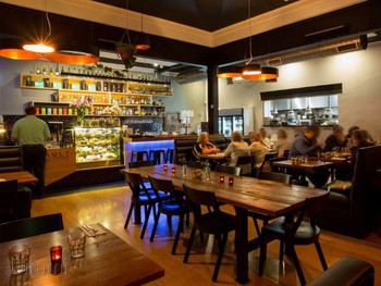 Vault Cafe Bar Restaurant Yarraville