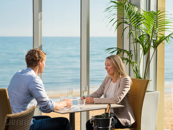 Waves on the Beach Frankston - Modern Australian cuisine - image 3 of 9.
