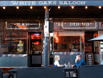 White Oaks Saloon Bar and Dining Prahran - American  cuisine - image 2 of 6.