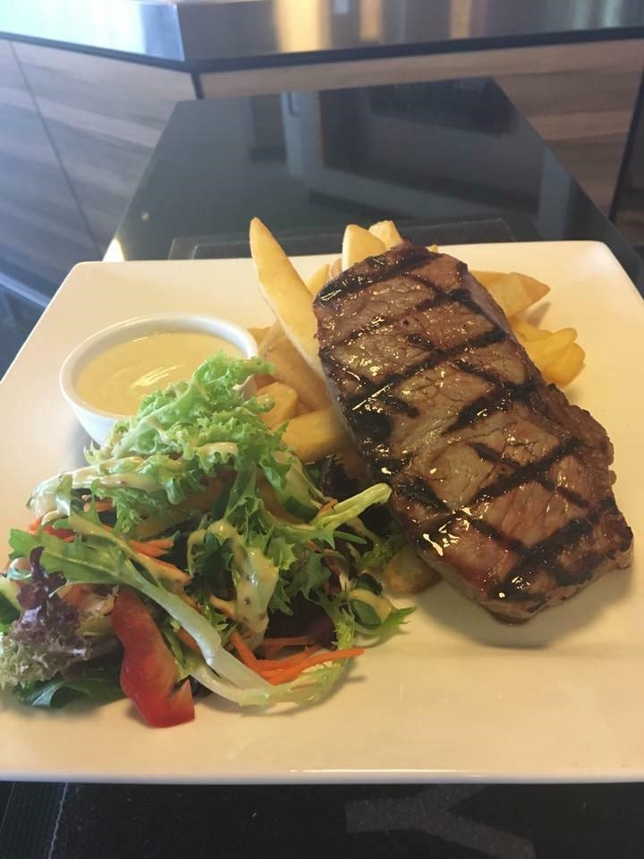 Highway Hotel, Bunbury - Menus, Reviews, Bookings - TheFork