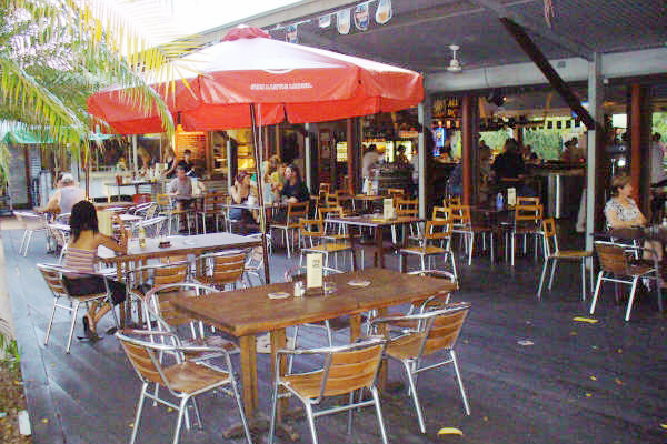 Lizards Outdoor Bar and Grill, Darwin - Menus, Reviews ...